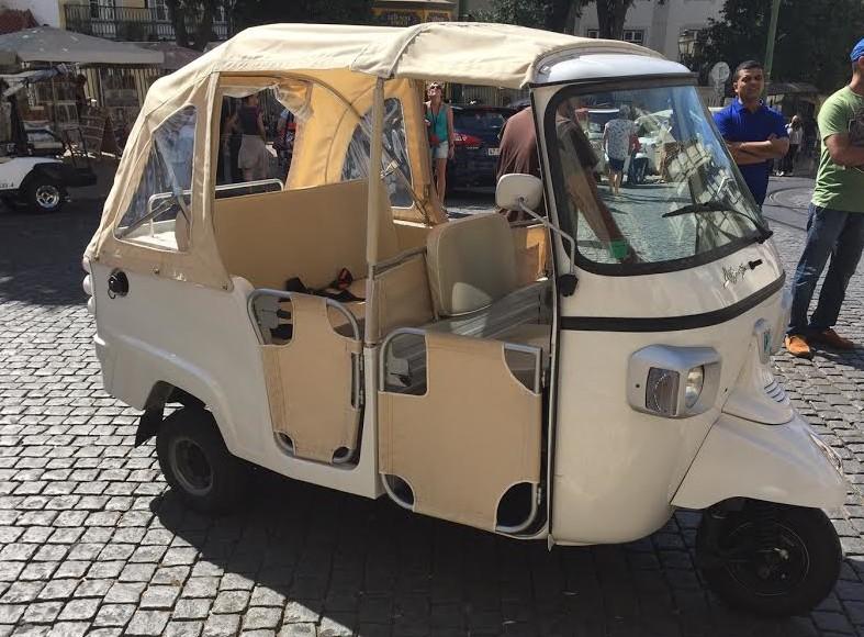Lifestyle blog Zsa Zsa Zsa Tuktuk